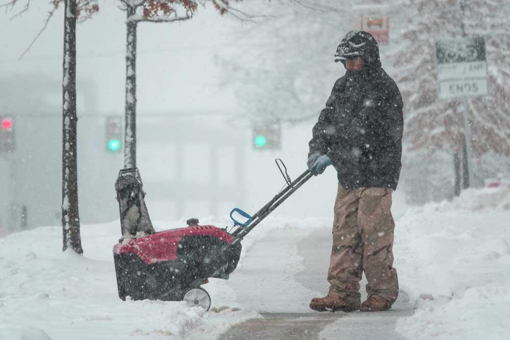 harsh winters in Illinois make Arizona more desirable
